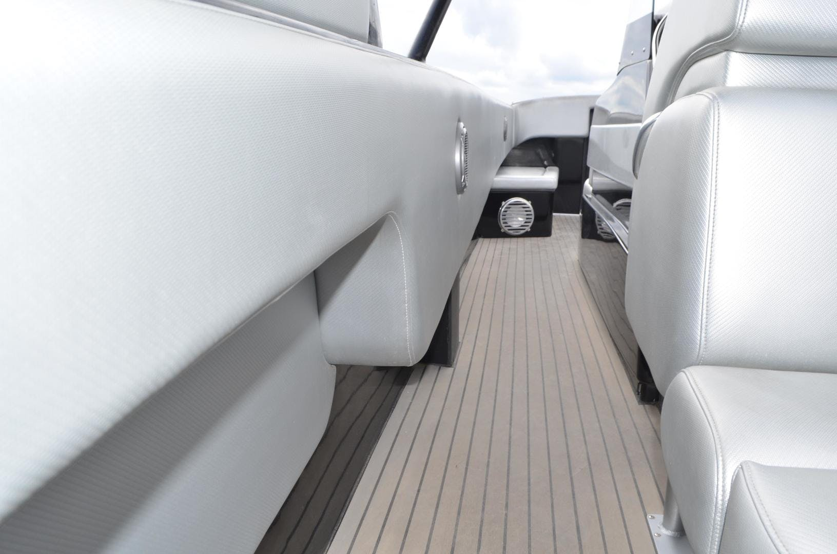 2010 Nor-Tech 50' 5000V Diesel  | Picture 6 of 30