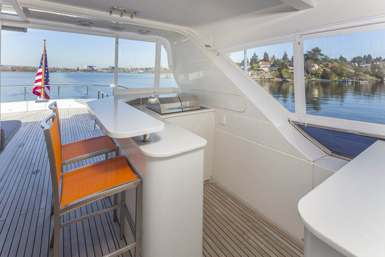 2015 Paragon 92' motor yacht PARAGON COCKPIT | Picture 4 of 55