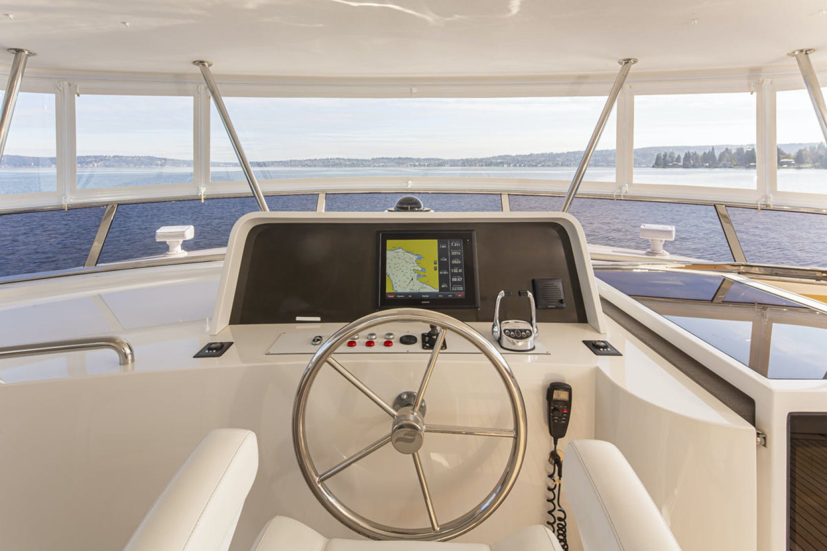 2015 Paragon 92' motor yacht PARAGON COCKPIT | Picture 2 of 55