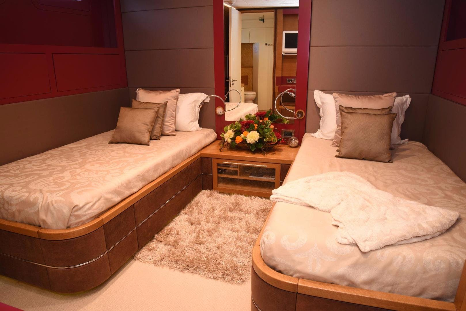 2010 IAG 127' Motor Yacht KIMBERLIE | Picture 6 of 53
