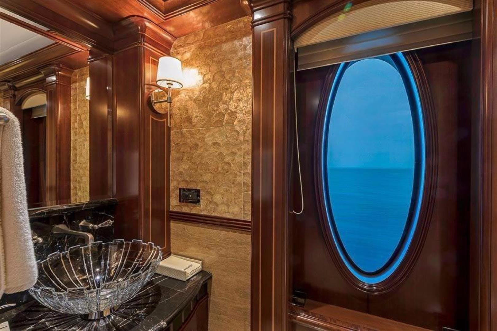 2011 Newcastle 180' 5500 Series SOVEREIGN | Picture 7 of 43