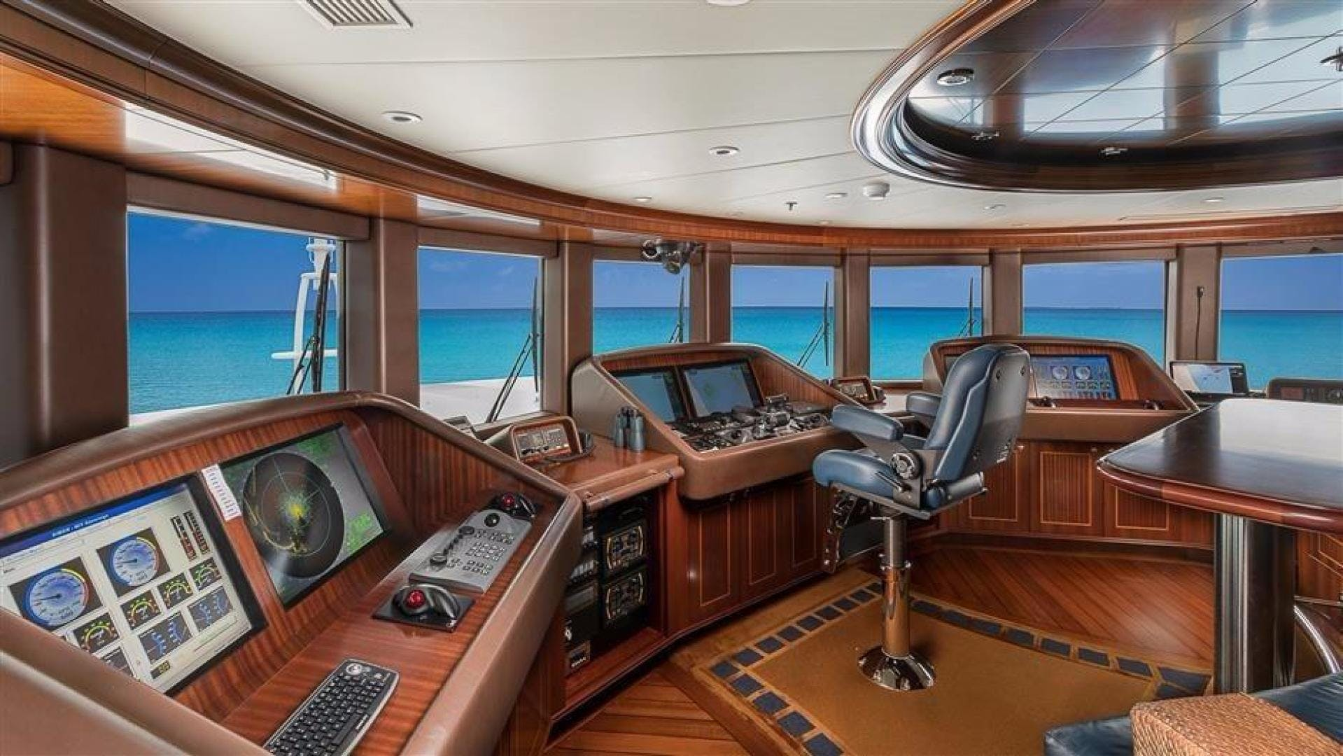 2011 Newcastle 180' 5500 Series SOVEREIGN | Picture 3 of 43