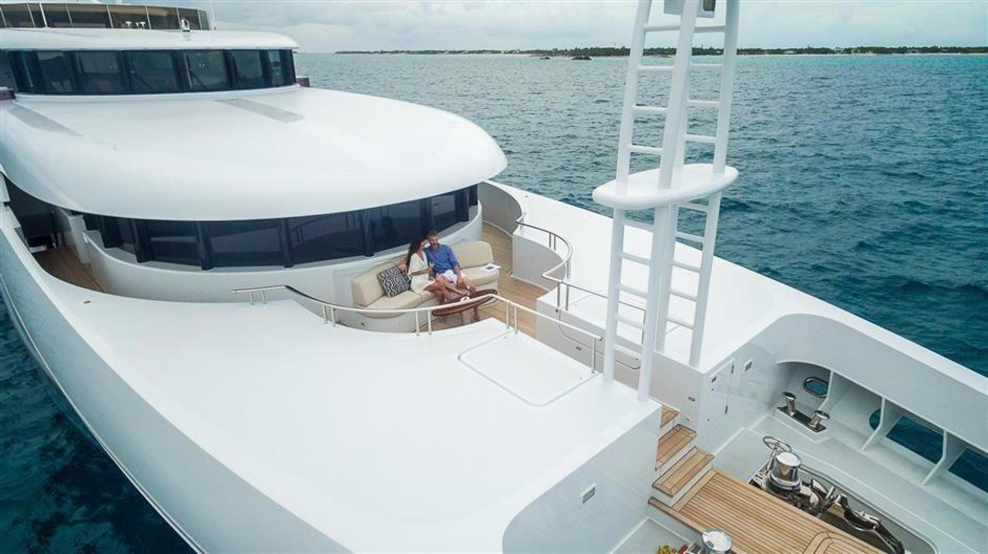 2011 Newcastle 180' 5500 Series SOVEREIGN | Picture 2 of 43