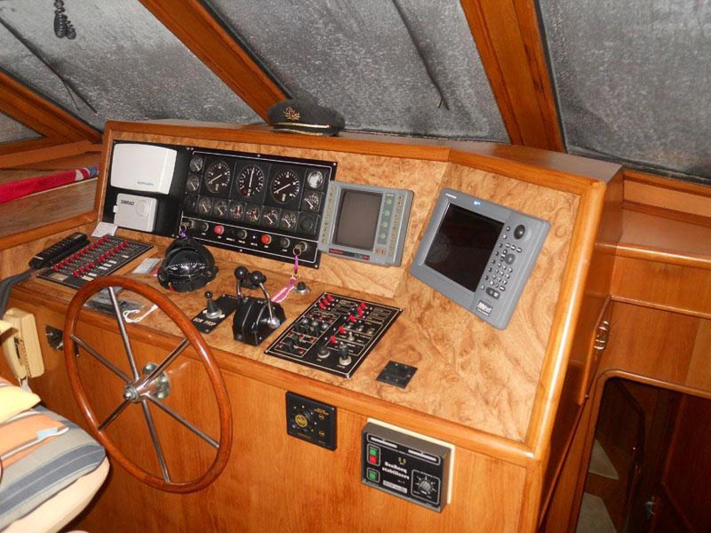 1991 Vantare 72' Cockpit MotorYacht Blue Nova | Picture 1 of 14