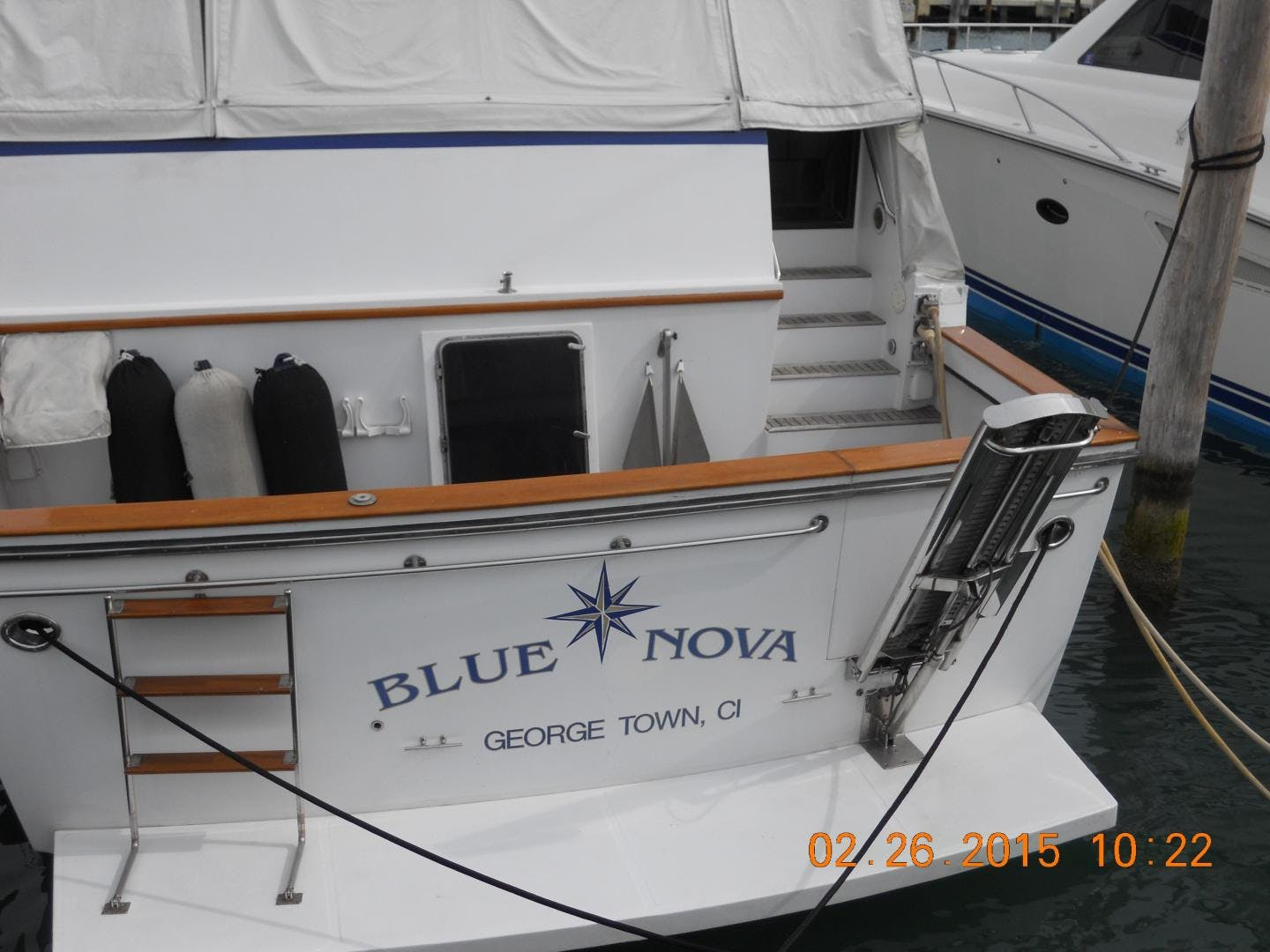 1991 Vantare 72' Cockpit MotorYacht Blue Nova | Picture 4 of 14