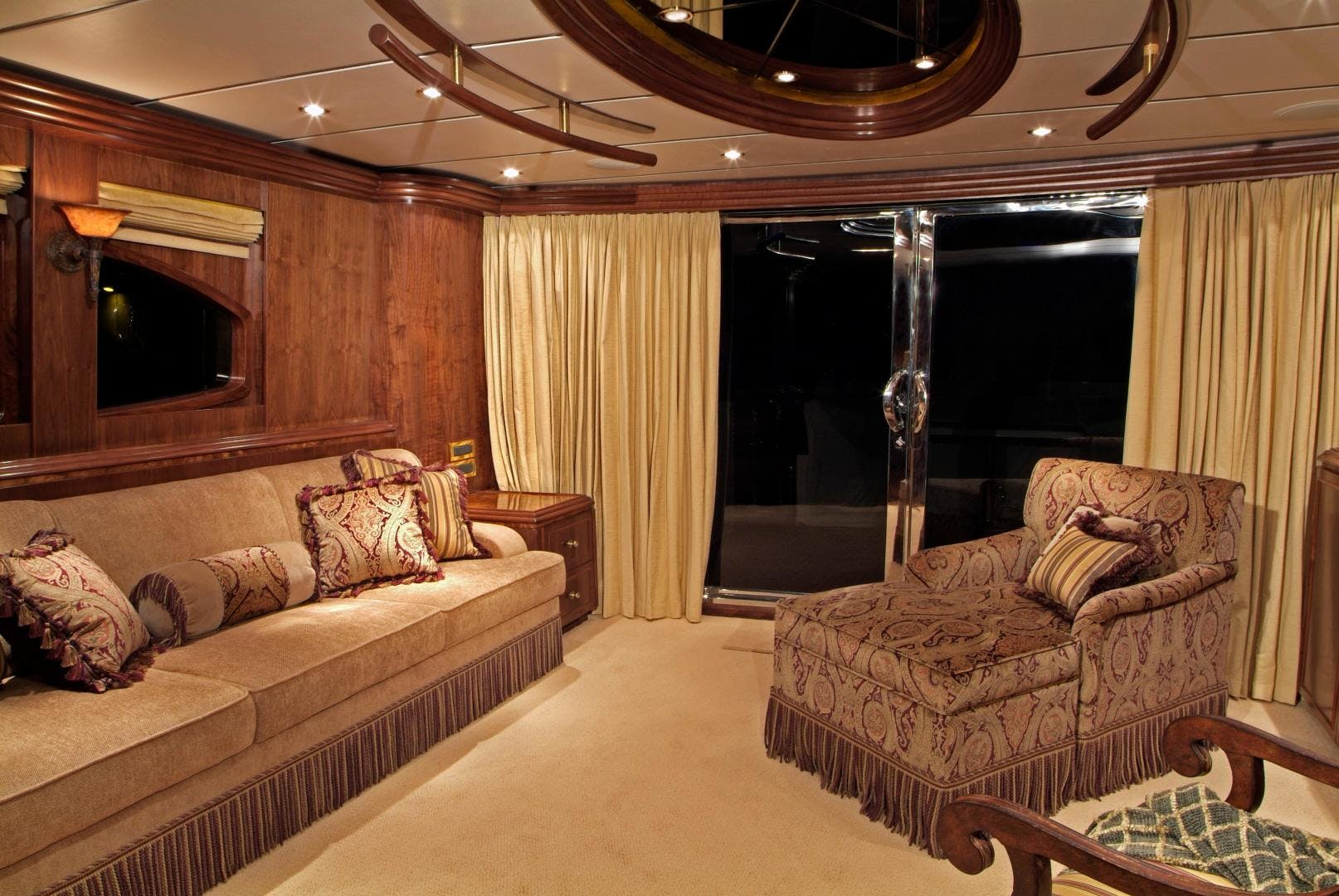 2007 Hargrave 90' Skylounge MABUHAY LIMA | Picture 4 of 35