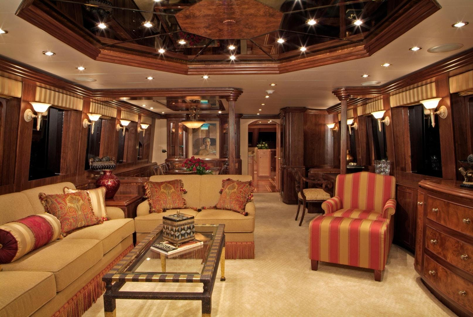 2007 Hargrave 90' Skylounge MABUHAY LIMA | Picture 1 of 35