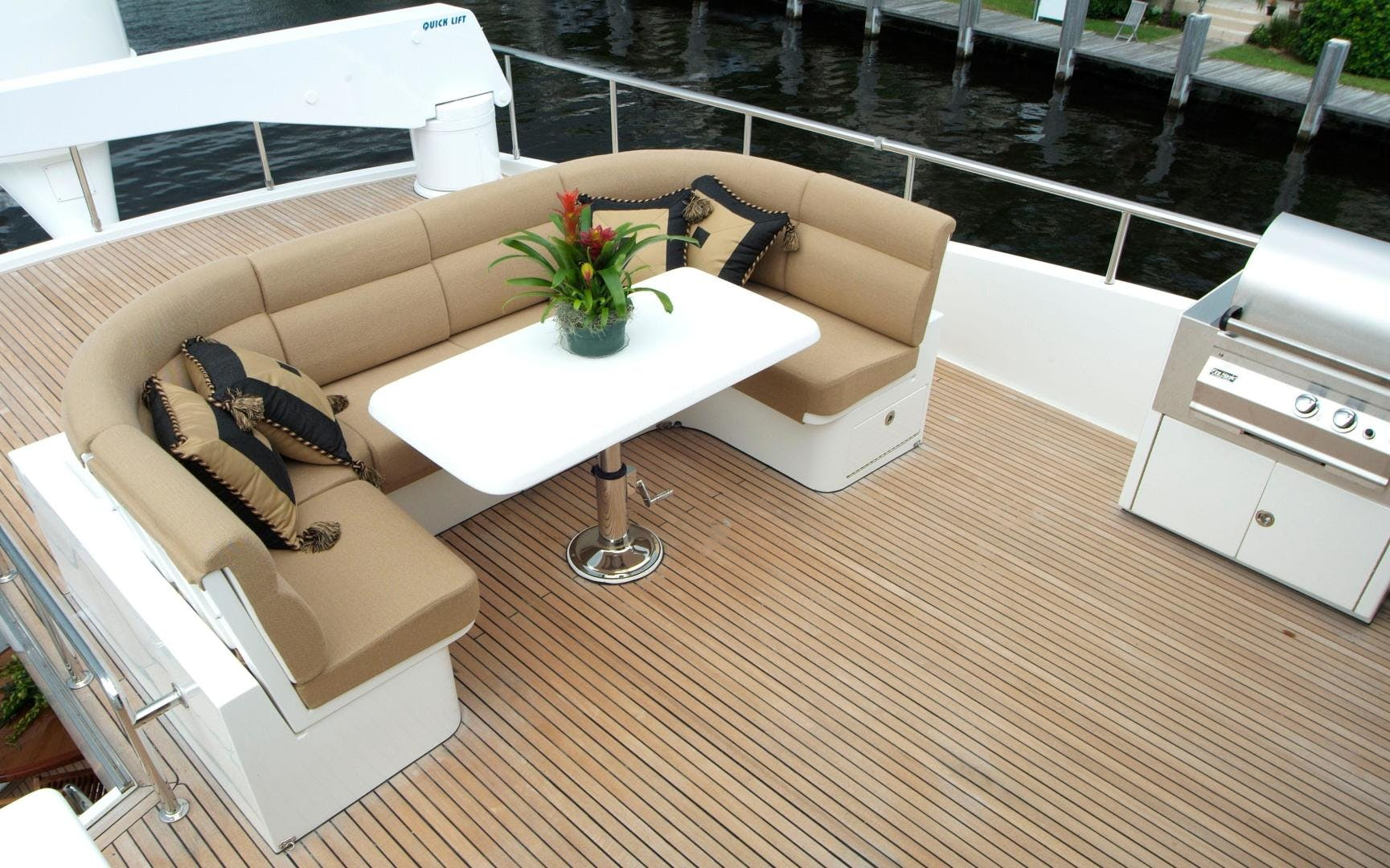 2007 Hargrave 90' Skylounge MABUHAY LIMA | Picture 6 of 35