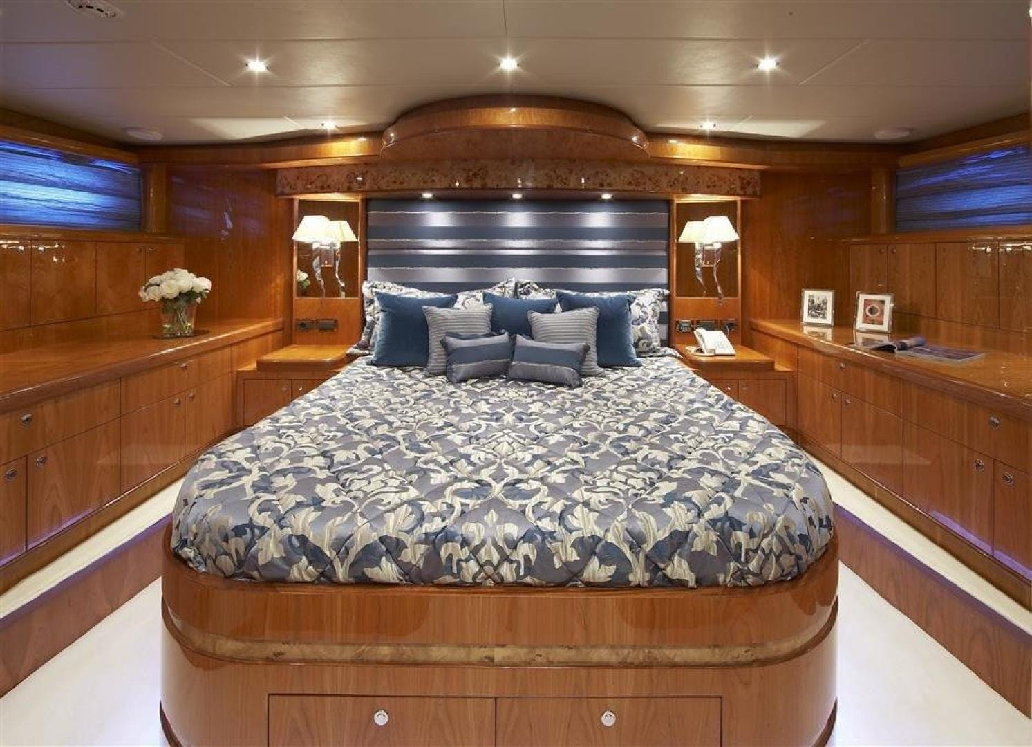 2024 Johnson 110' 110' Skylounge w/On-Deck Master JOHNSON 110 SKYLOUNGE | Picture 8 of 23