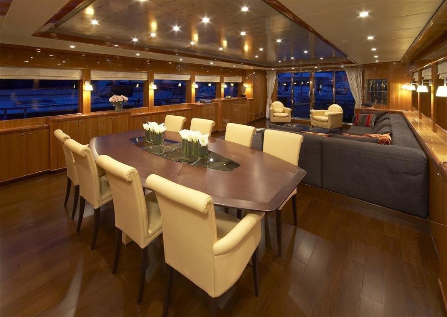 2022 Johnson 110' 110' Flybridge w/On-Deck Master JOHNSON 110 FLYBRIDGE | Picture 4 of 27