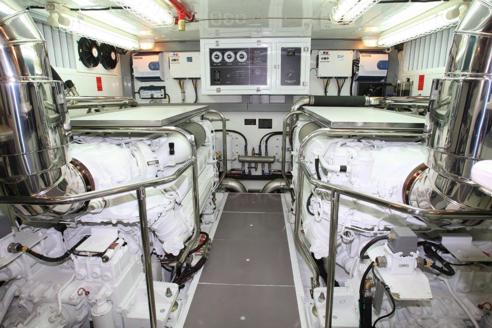 2022 Johnson 80' Flybridge w/Fishing Cockpit JOHNSON 80 FLYBRIDGE | Picture 4 of 13
