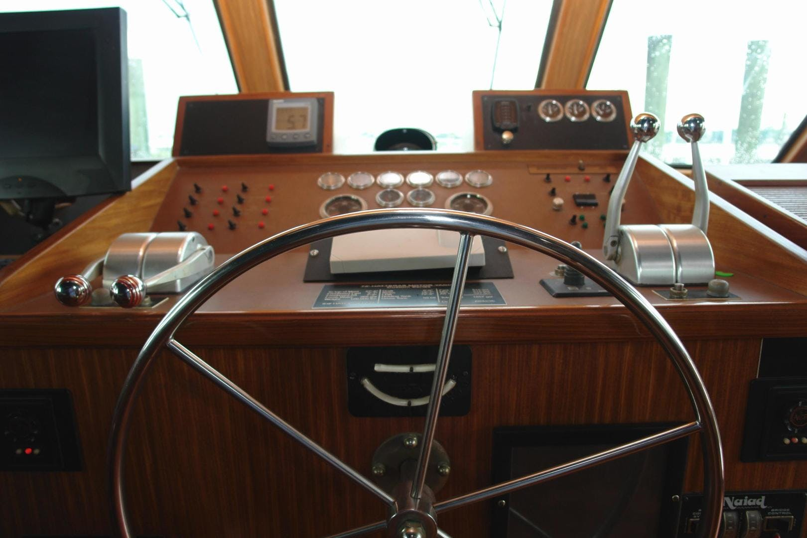 1985 Hatteras 72' 72 Motor Yacht Super Star   Picture 7 of 60