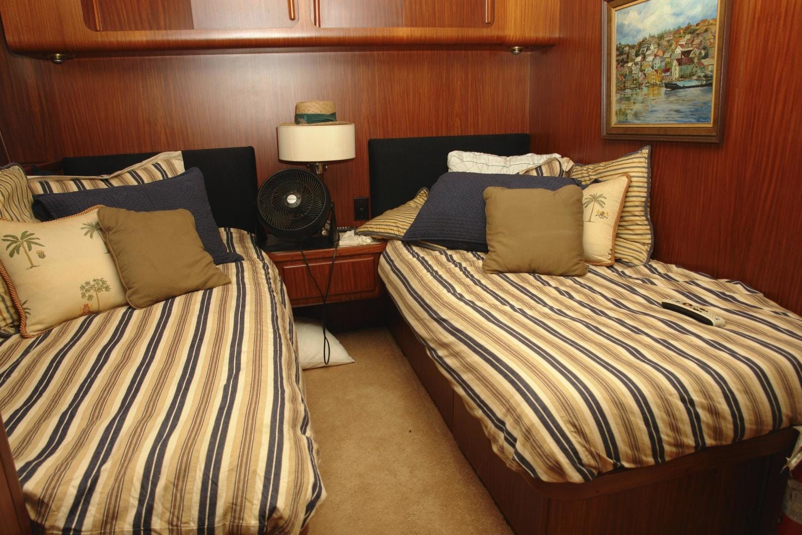 1985 Hatteras 72' 72 Motor Yacht Super Star   Picture 6 of 60