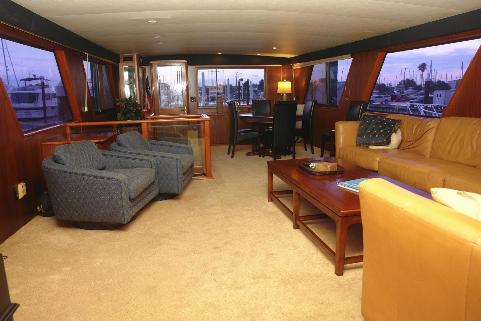 1985 Hatteras 72' 72 Motor Yacht Super Star   Picture 2 of 60