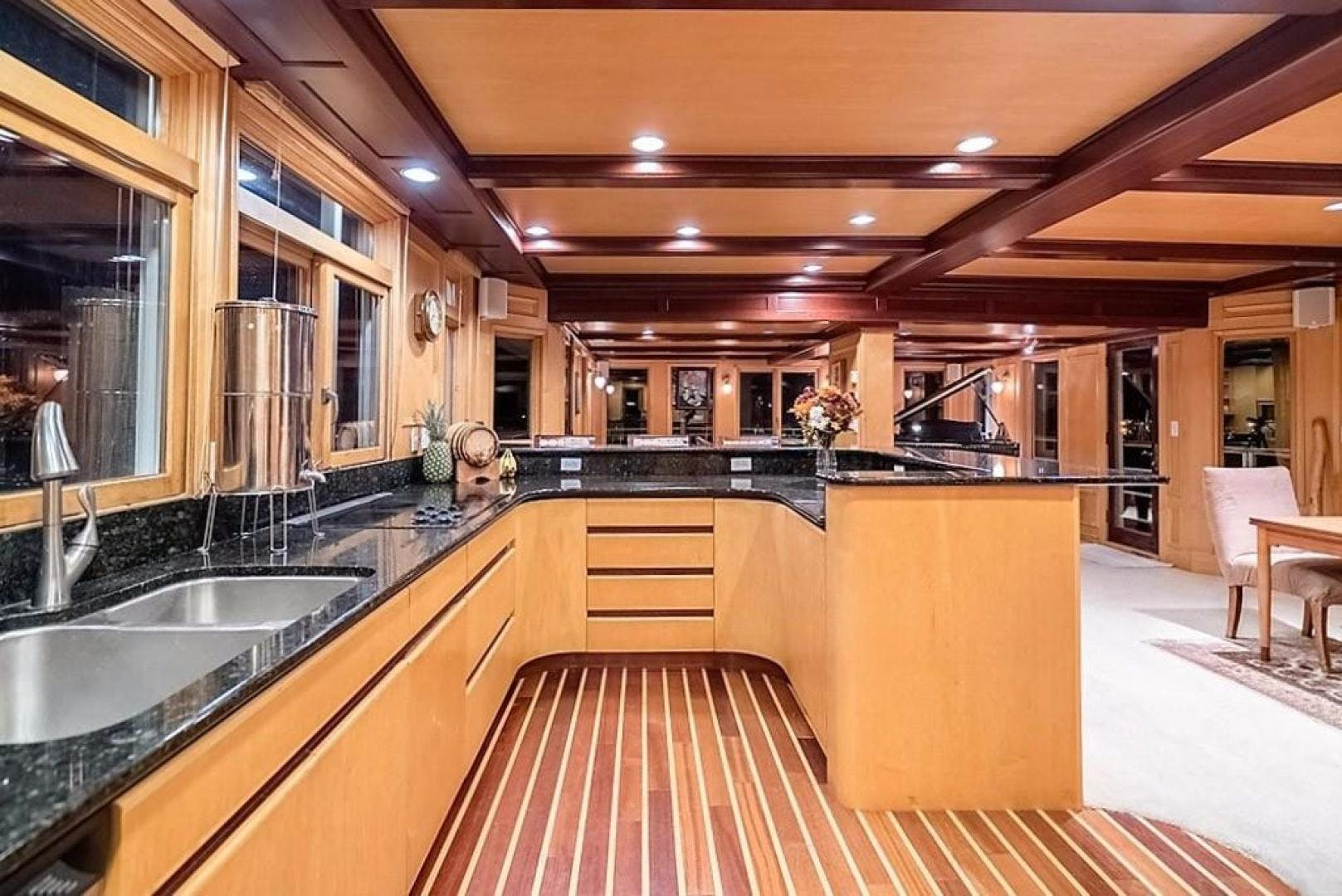 1982 AC Mcleod 79' Custom Sternwheeler House Barge Elena Queen of Arts | Picture 7 of 39