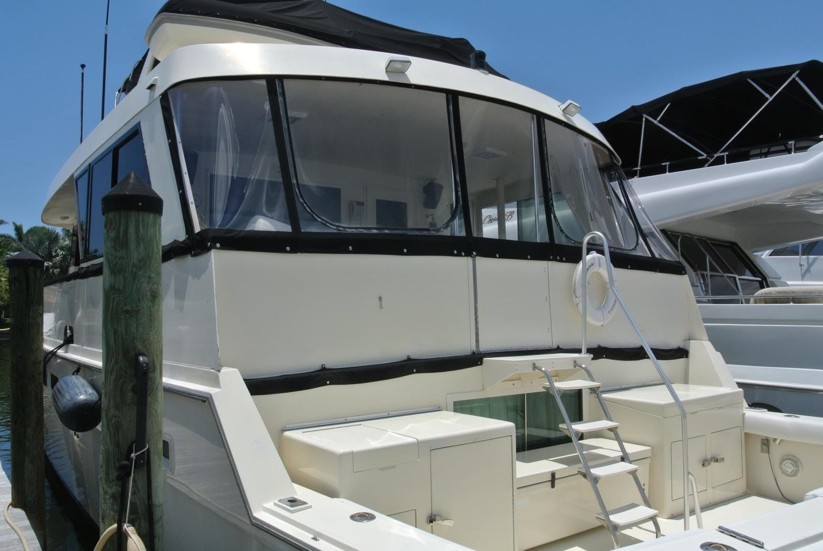 1988 Hatteras 67' 67 Cockpit Motor Yacht Lady Encore | Picture 5 of 46