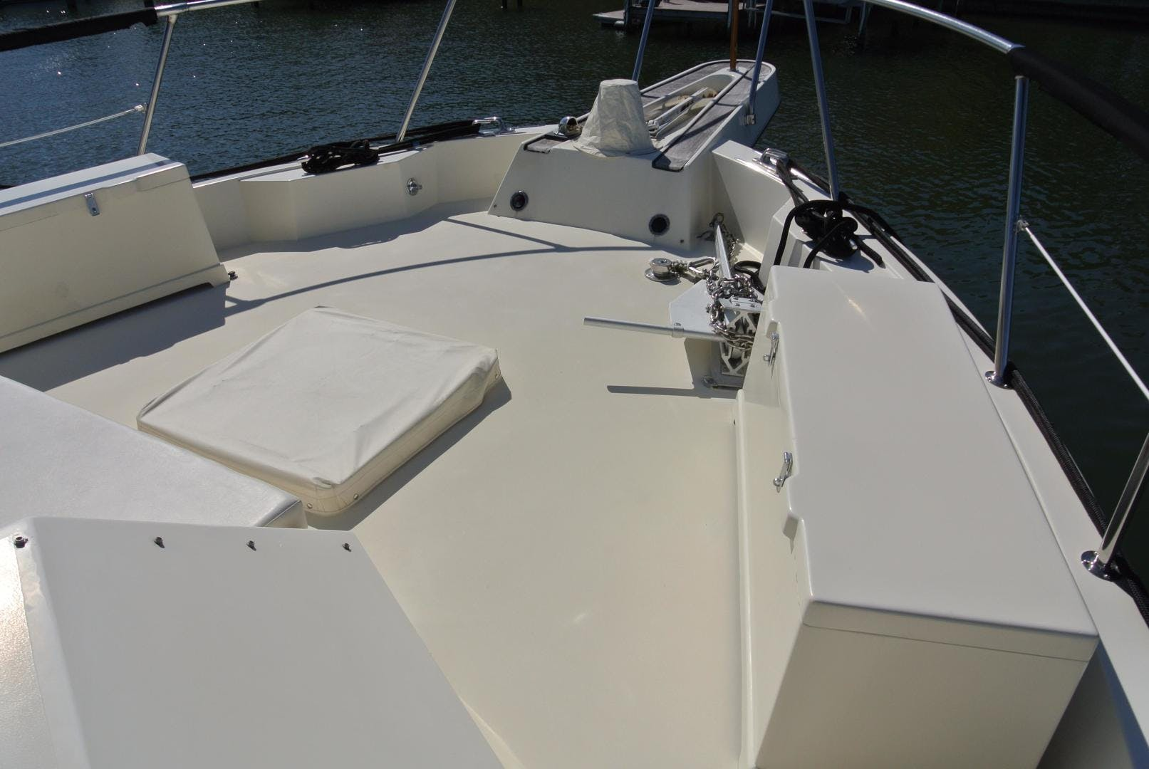 1988 Hatteras 67' 67 Cockpit Motor Yacht Lady Encore | Picture 7 of 46