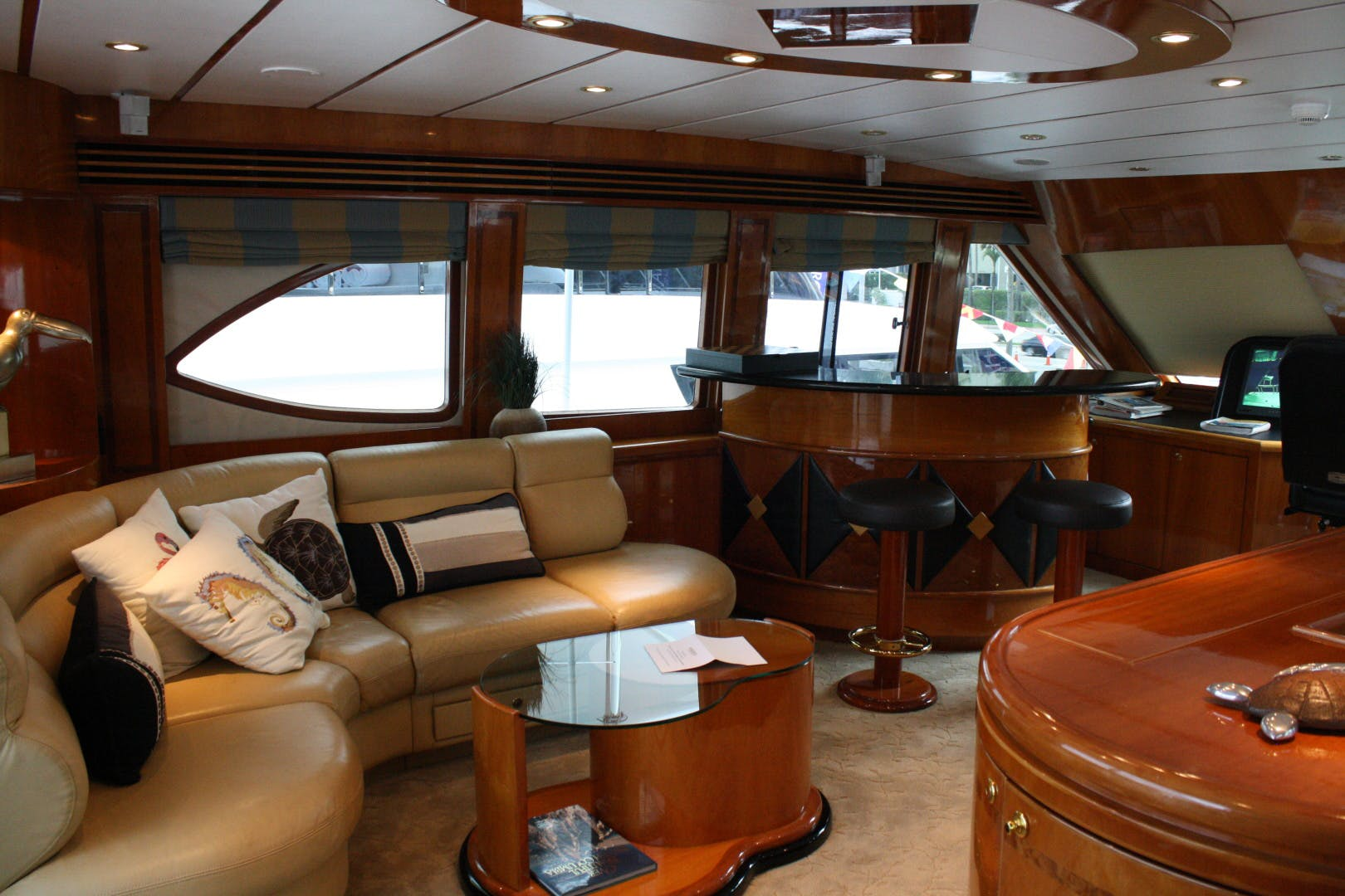2003 Hargrave 94' Capri Skylounge CRYSTAL ANNE | Picture 4 of 26
