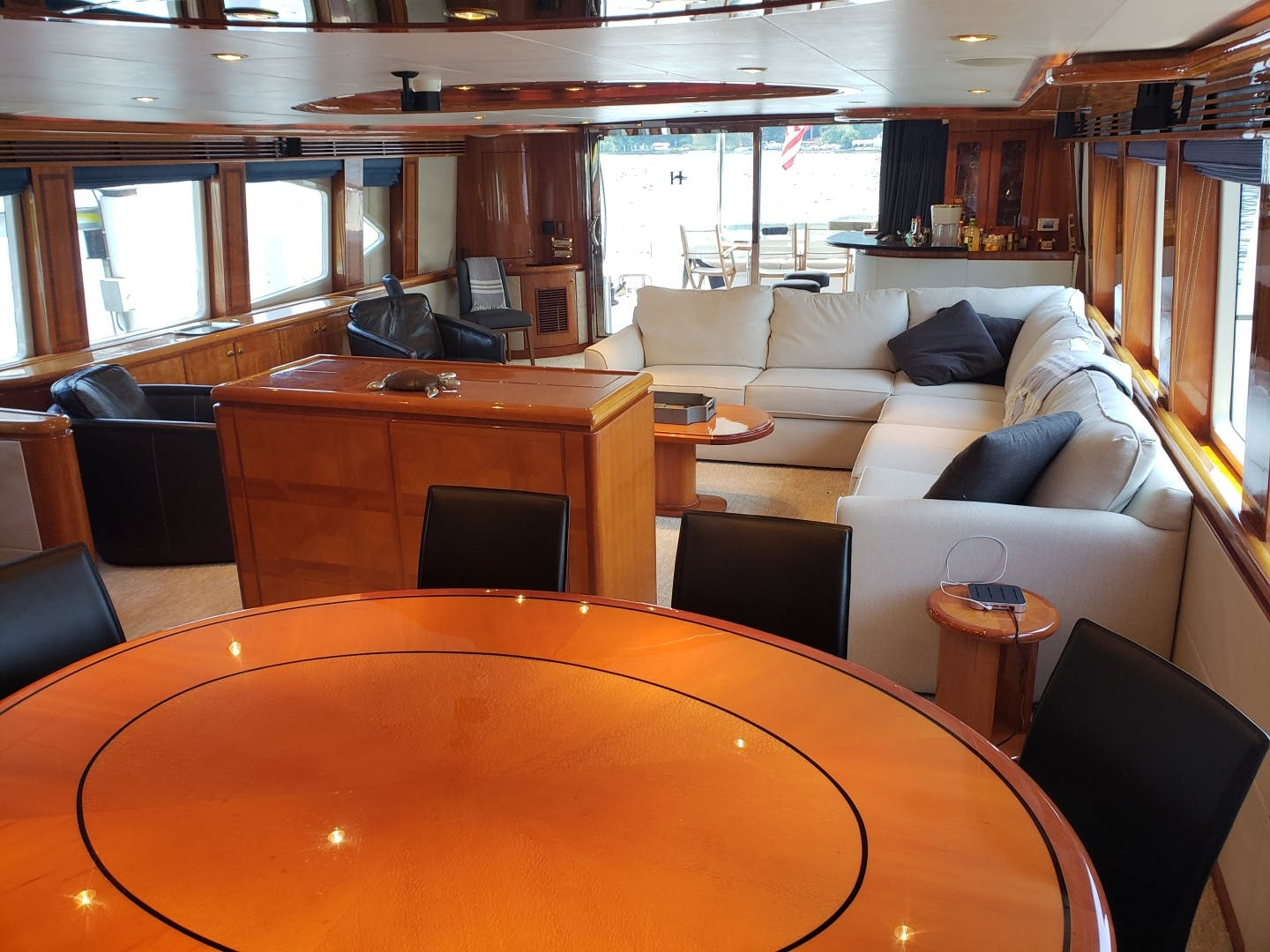 2003 Hargrave 94' Capri Skylounge CRYSTAL ANNE | Picture 3 of 26