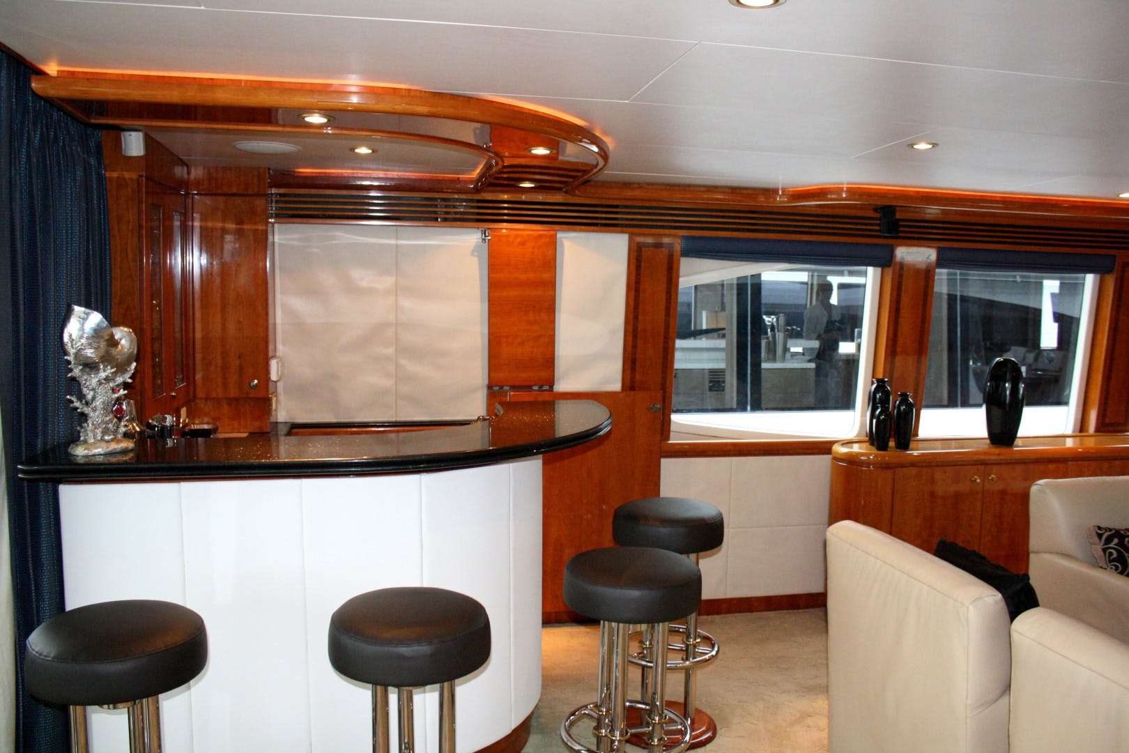 2003 Hargrave 94' Capri Skylounge CRYSTAL ANNE | Picture 2 of 26