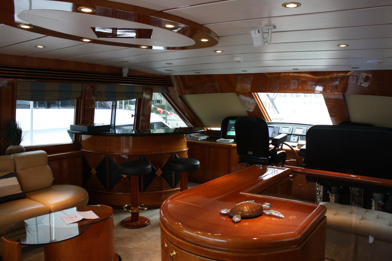 2003 Hargrave 94' Capri Skylounge CRYSTAL ANNE | Picture 8 of 26