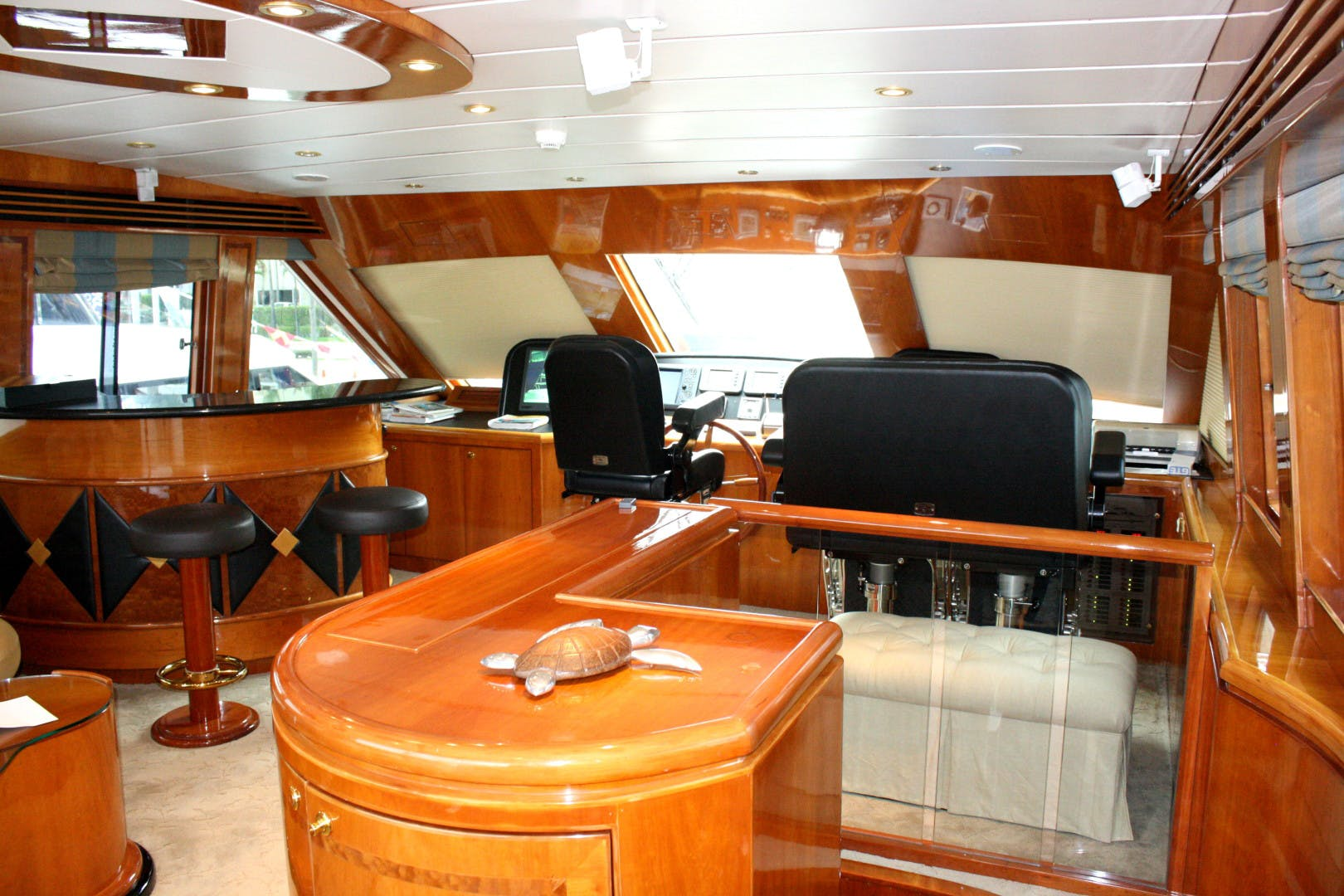2003 Hargrave 94' Capri Skylounge CRYSTAL ANNE | Picture 6 of 26