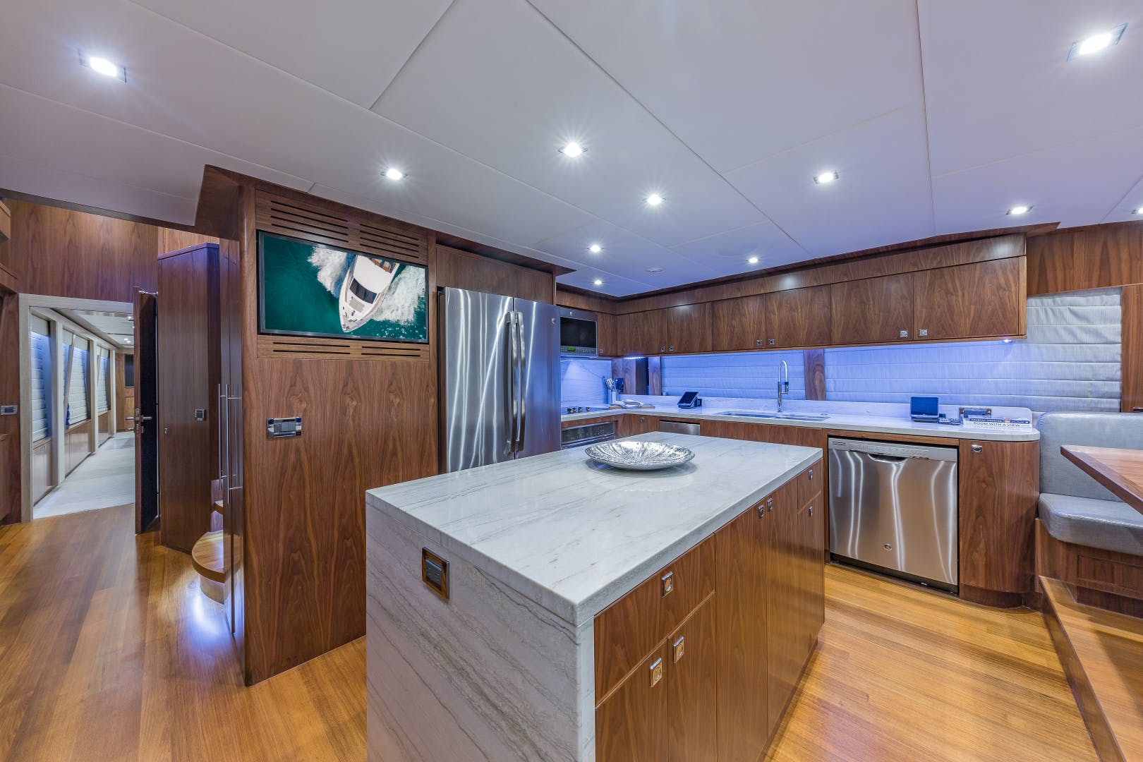 2018 Hargrave 100' Motoryacht MB3 | Picture 8 of 74