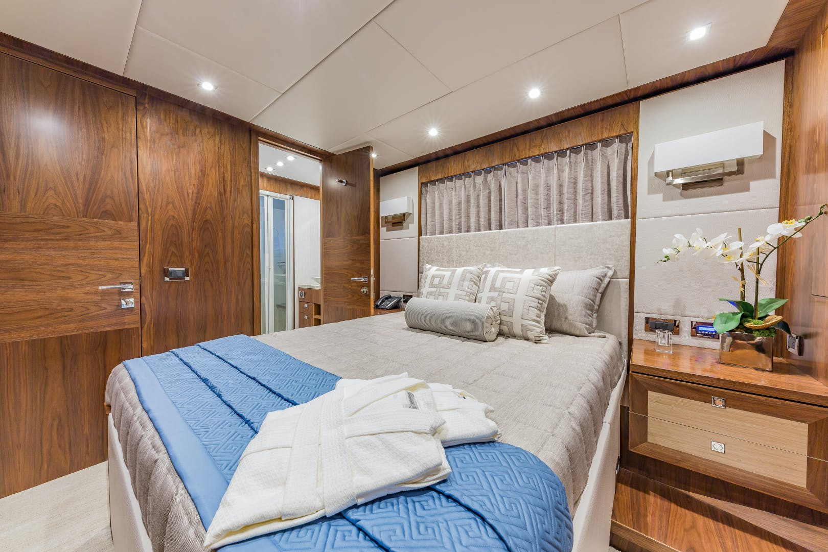 2018 Hargrave 100' Motoryacht MB3 | Picture 7 of 74