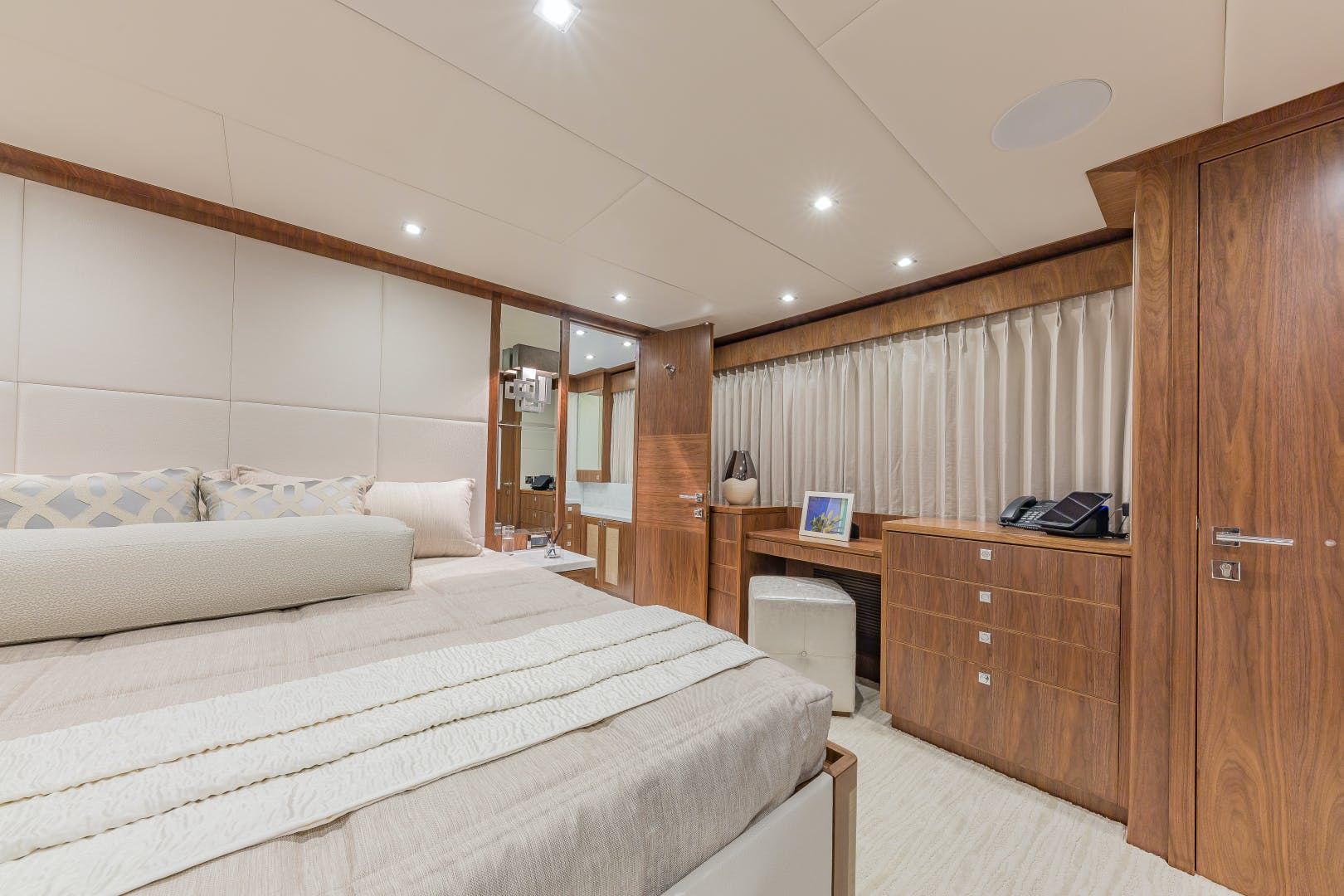 2018 Hargrave 100' Motoryacht MB3 | Picture 5 of 74