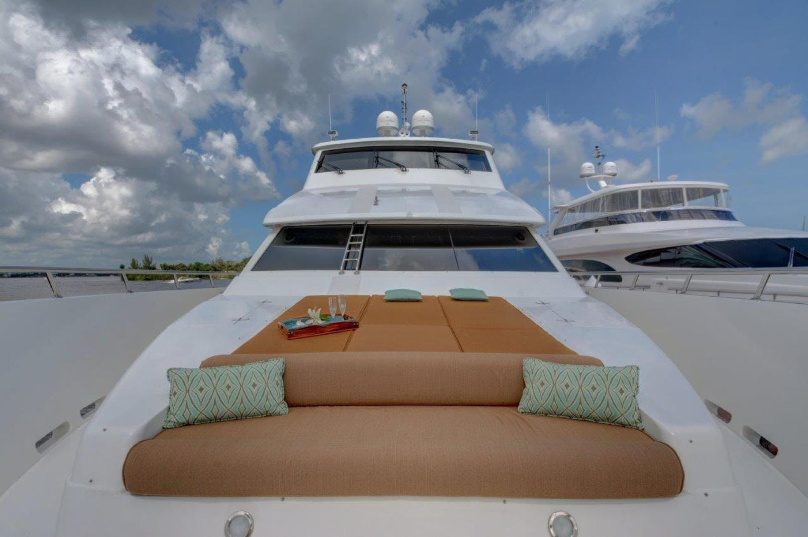 2009 Hargrave 90' 90' Skylounge HEARTBEAT | Picture 6 of 37