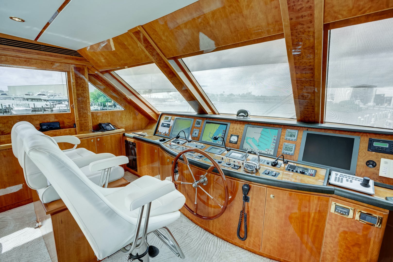 2009 Hargrave 90' 90' Skylounge HEARTBEAT   Picture 3 of 37