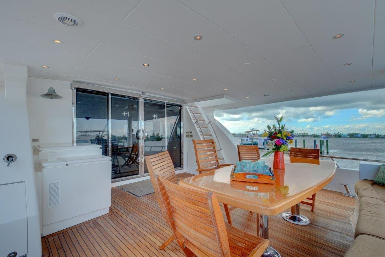 2009 Hargrave 90' 90' Skylounge HEARTBEAT | Picture 3 of 37
