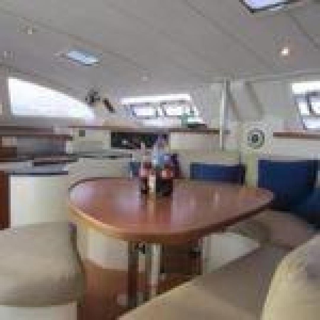 2005 Leopard 43' 43 Cool Change | Picture 8 of 24