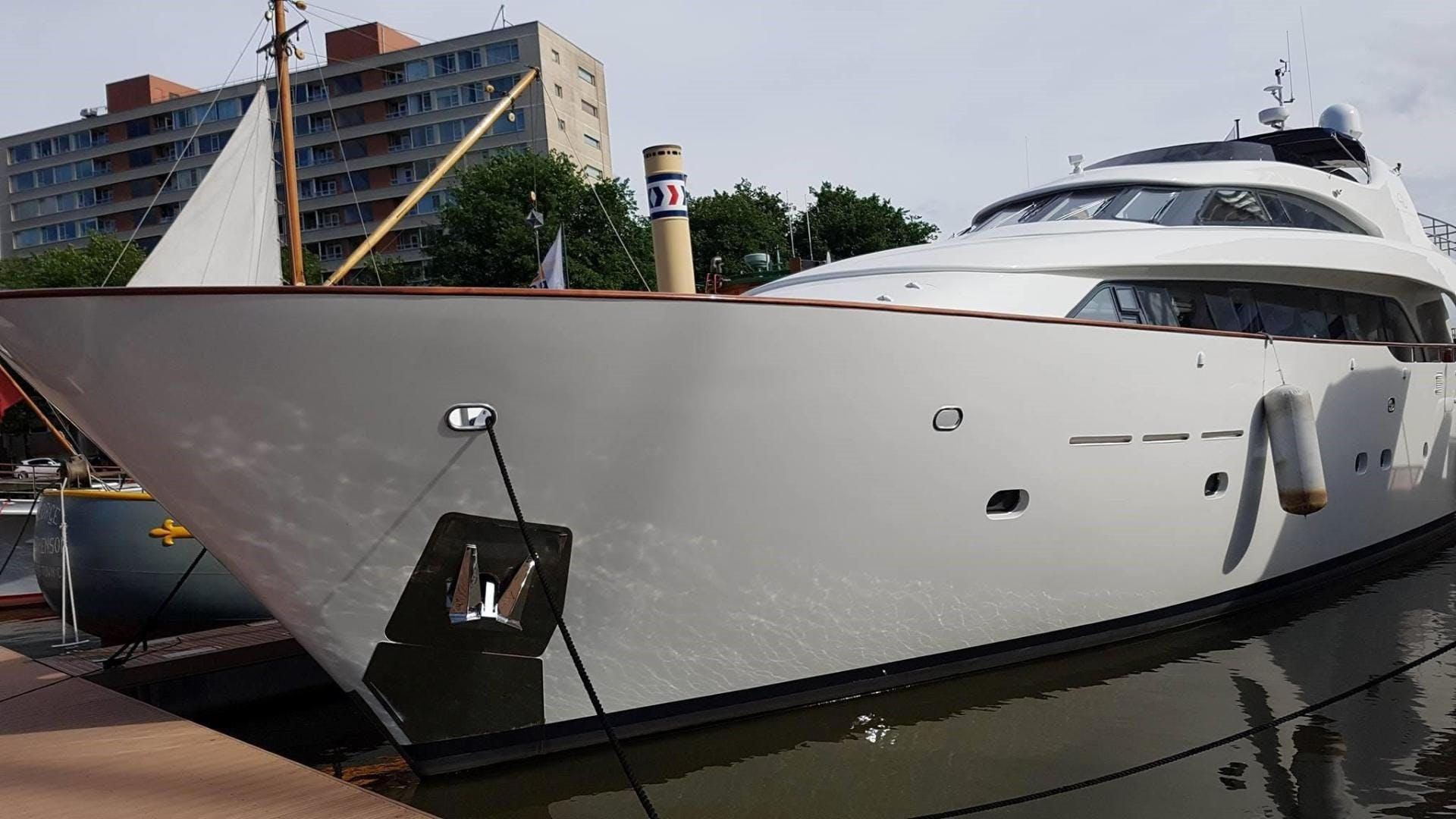 1998 Bugari 90' Motor Yacht LADY MIKKI | Picture 7 of 23