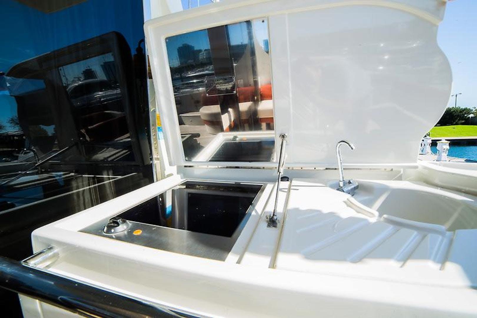 2008 Azimut 62' 62S La Dolce Vita | Picture 8 of 68