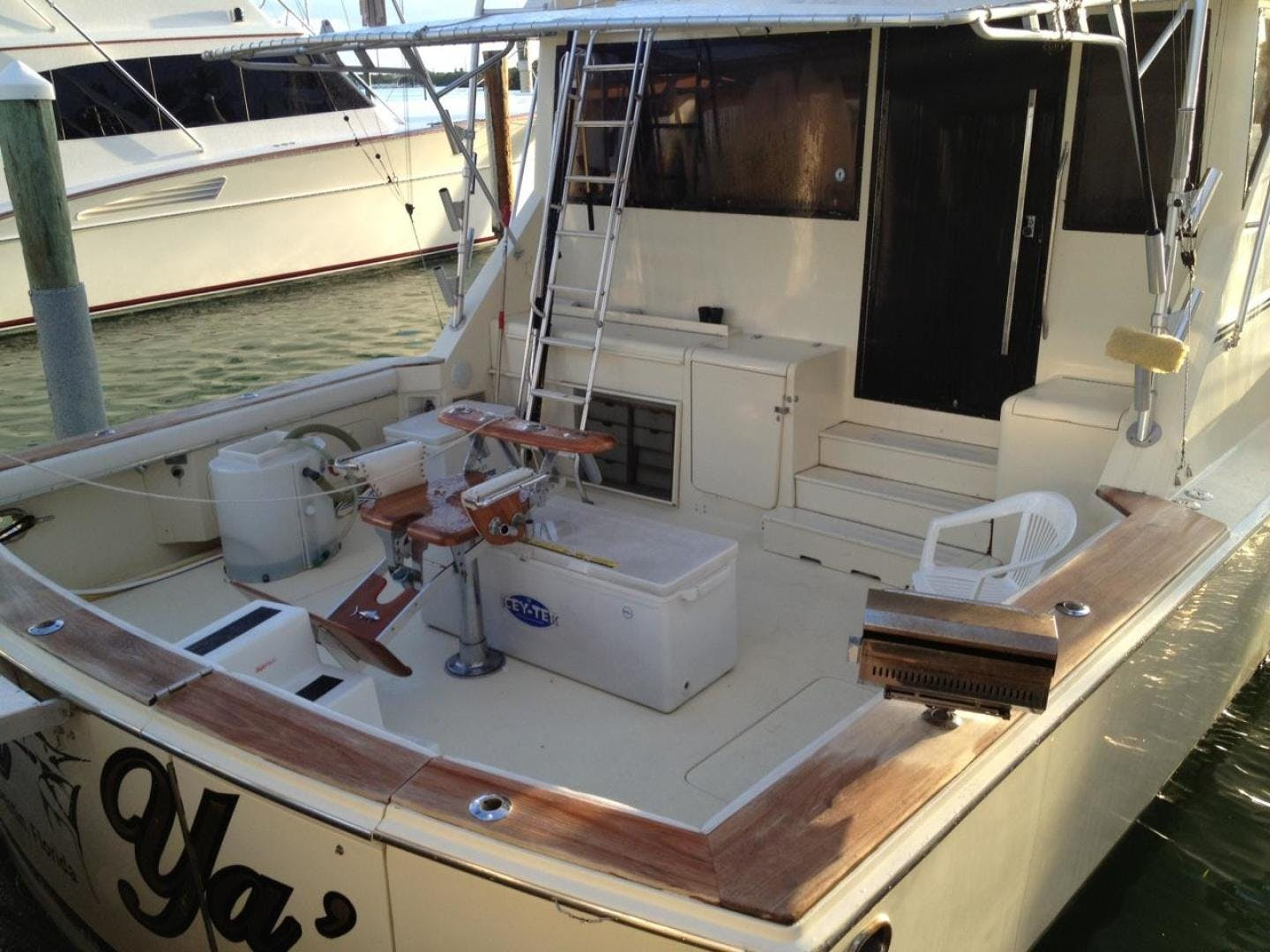 1986 Chris-Craft 58' Convertible Sea Ya | Picture 3 of 21