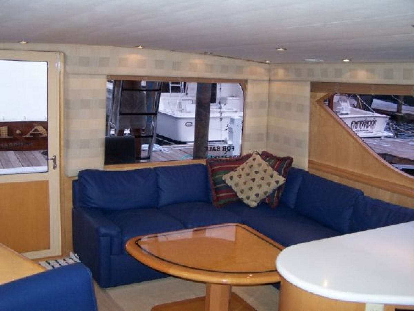 1999 Hatteras 60' Enclosed Bridge Convertible 1999 Reel Time | Picture 4 of 10