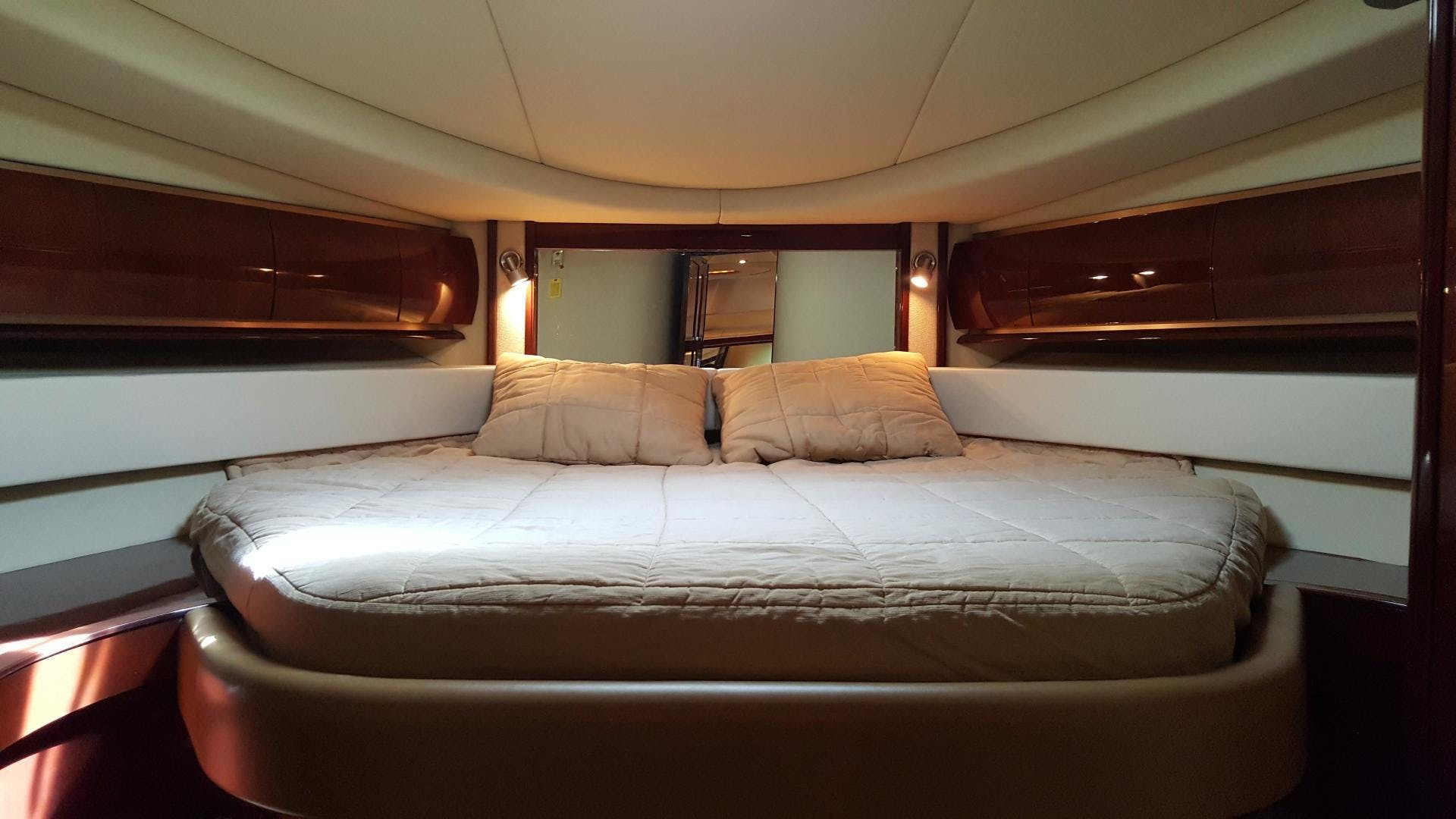 2008 Sea Ray 52' 52 Sundancer  | Picture 5 of 17