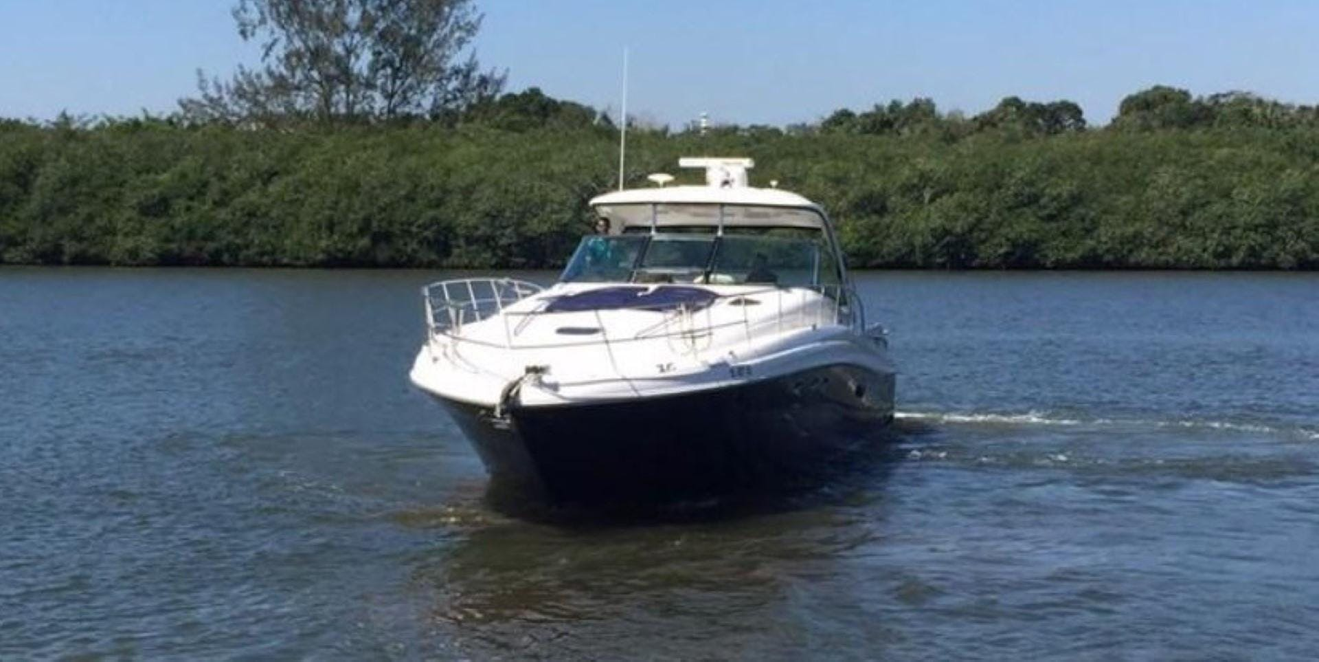2008 Sea Ray 52' 52 Sundancer  | Picture 3 of 17