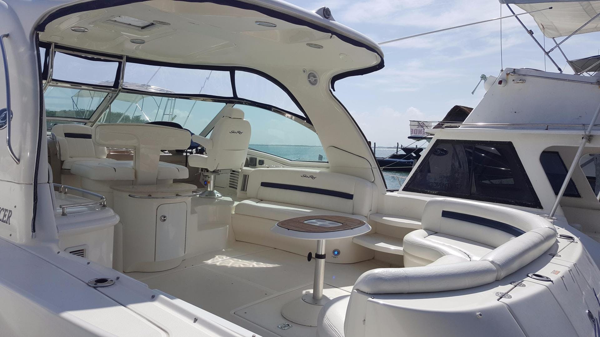 2008 Sea Ray 52' 52 Sundancer  | Picture 8 of 17