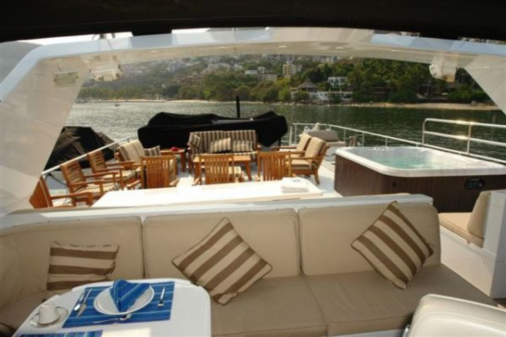 1986 Poole Boat Company 98' Raised Pilothouse with Cockpit Marazul | Picture 1 of 26