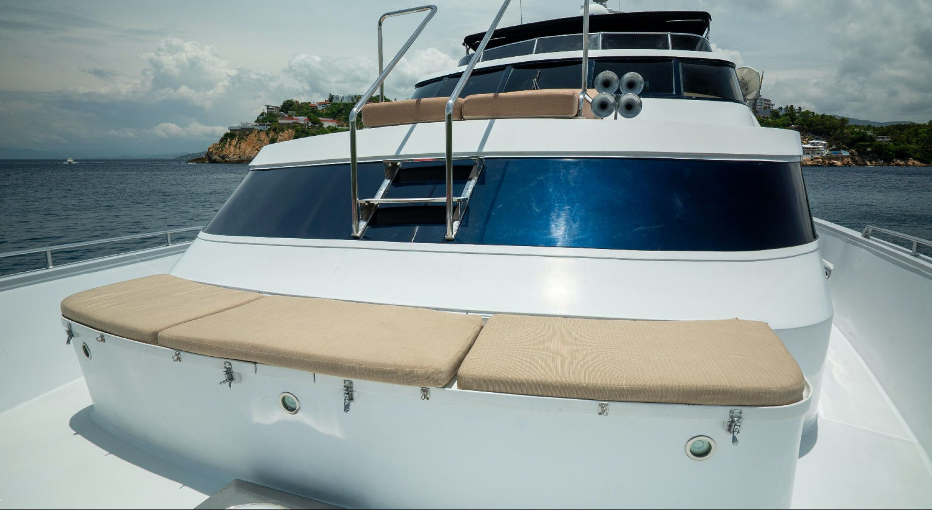 1986 Poole Boat Company 98' Raised Pilothouse with Cockpit Marazul | Picture 6 of 49