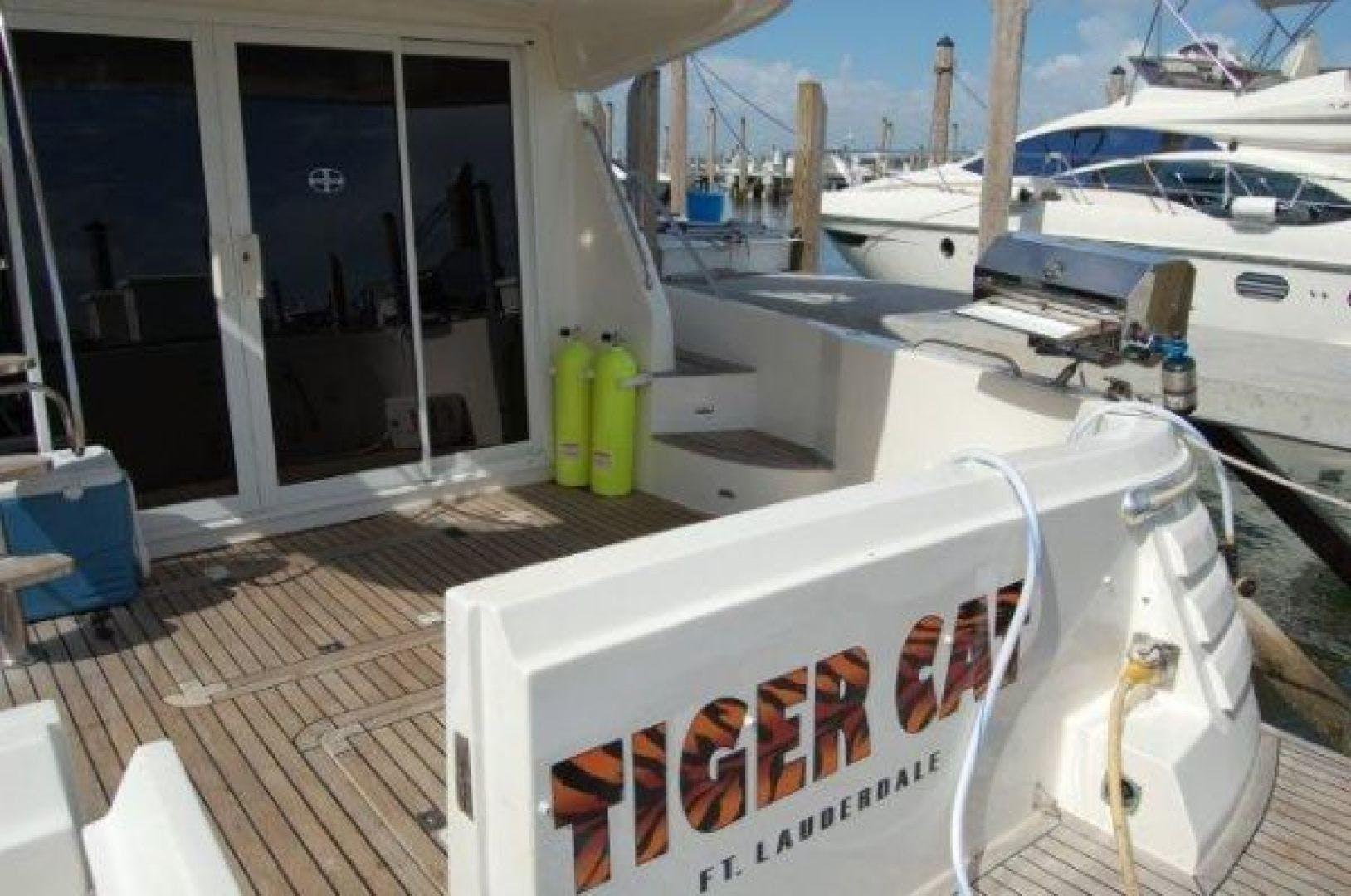 2000 Gulf Craft 56' Sport Flybridge Cruiser Tiger Cat | Picture 4 of 60