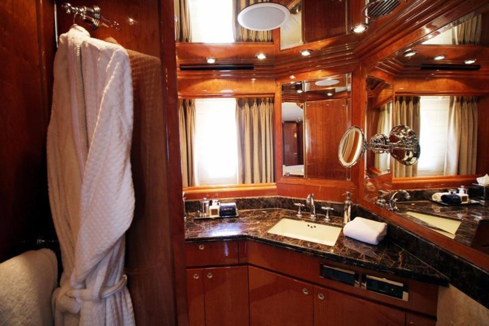 2009 Hargrave 101' Raised Pilot House Motor Yacht La Dolce Vita | Picture 4 of 64