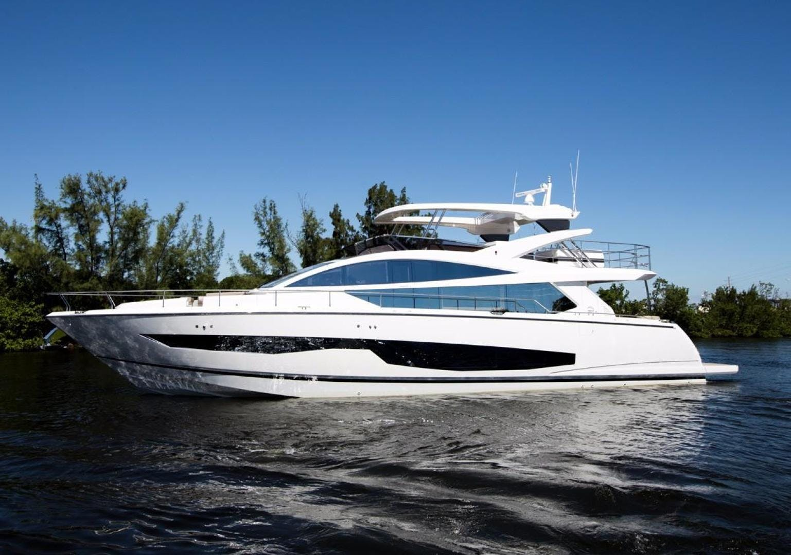 2018 Pearl 80' 80 Yacht  | Picture 6 of 47