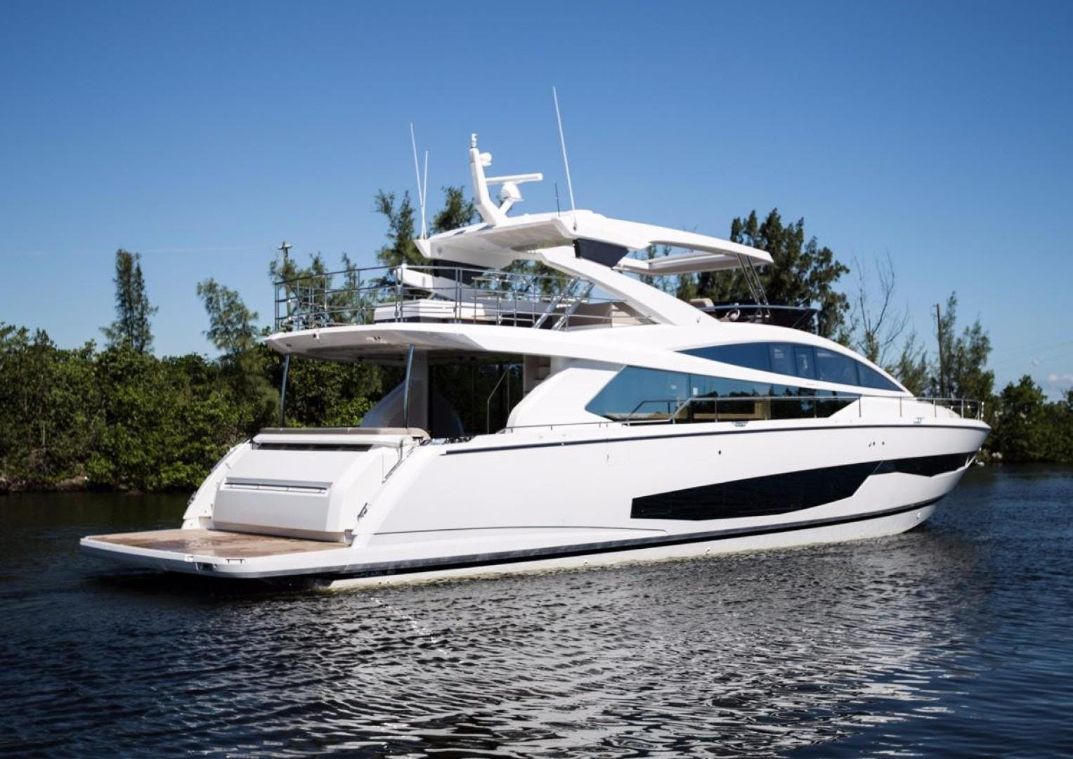 2018 Pearl 80' 80 Yacht  | Picture 3 of 47