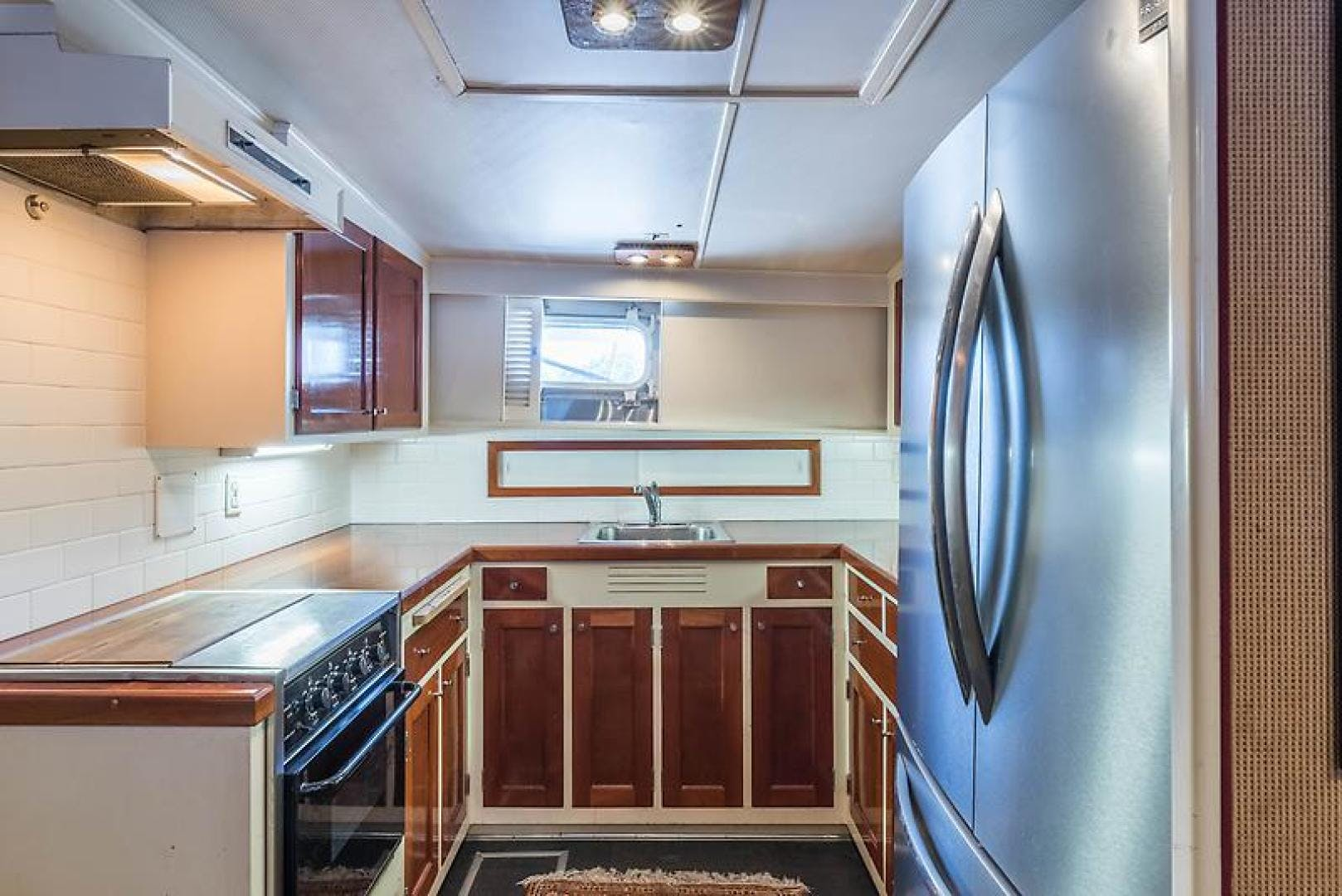 1969 Trumpy 63' Houseboat Angelus | Picture 7 of 30