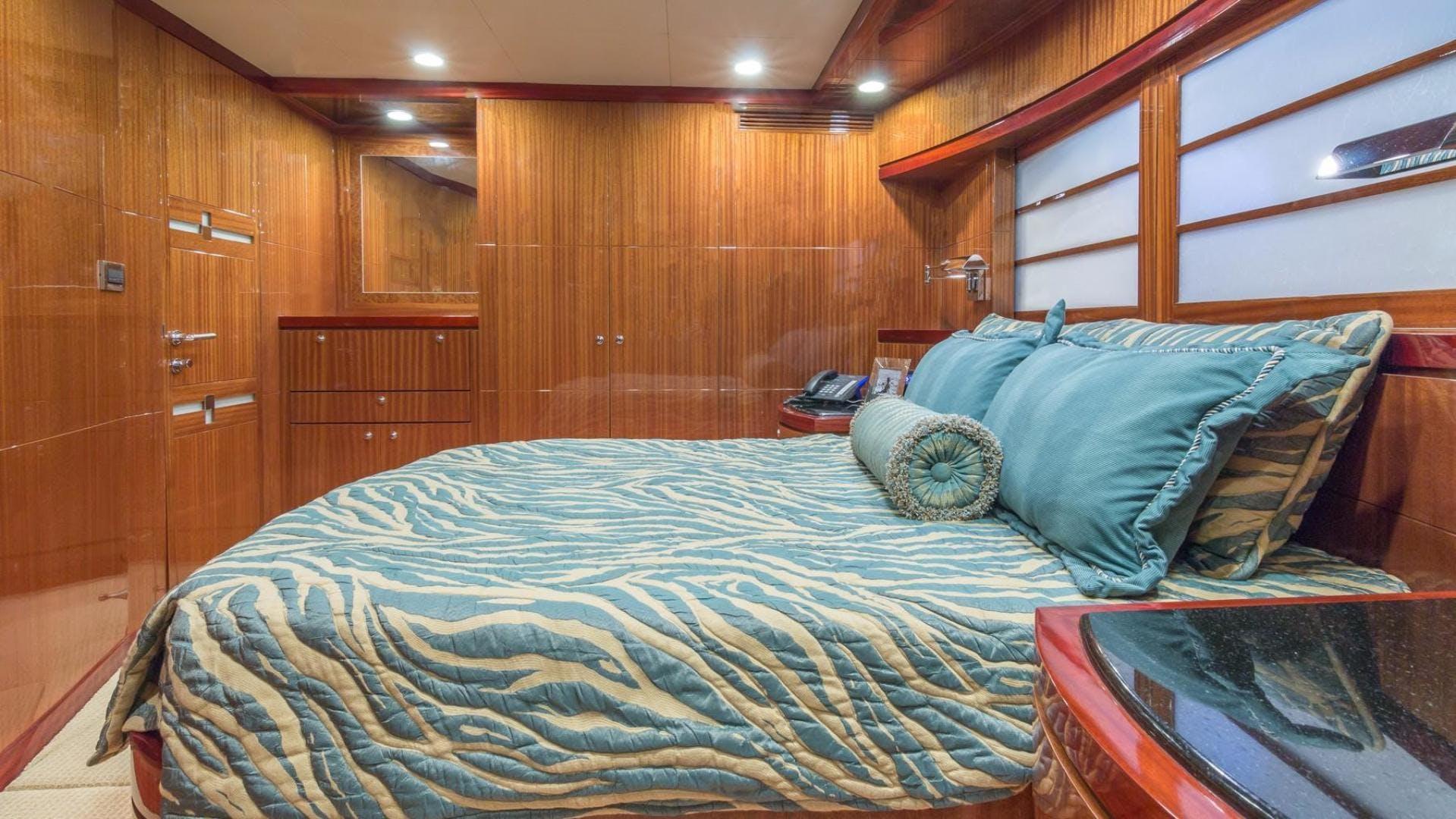 2008 Ocean Alexander 102' 102  | Picture 3 of 78