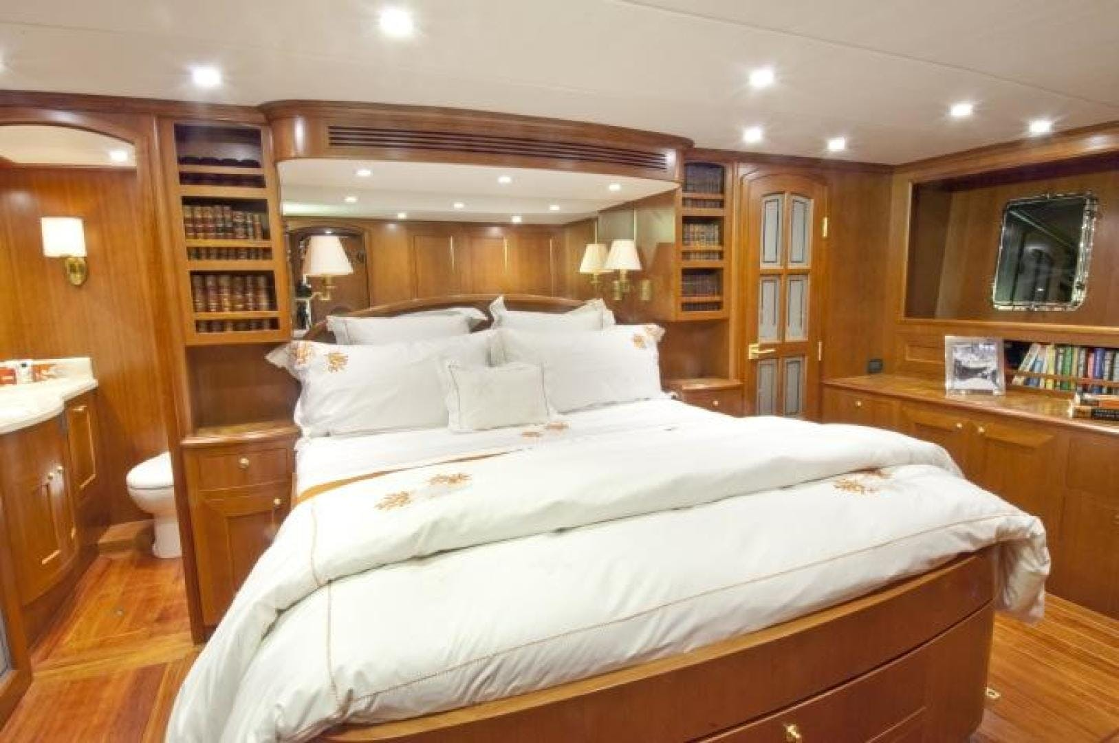 2021 Offshore Yachts 90' 80/85/90 Voyager  | Picture 6 of 13