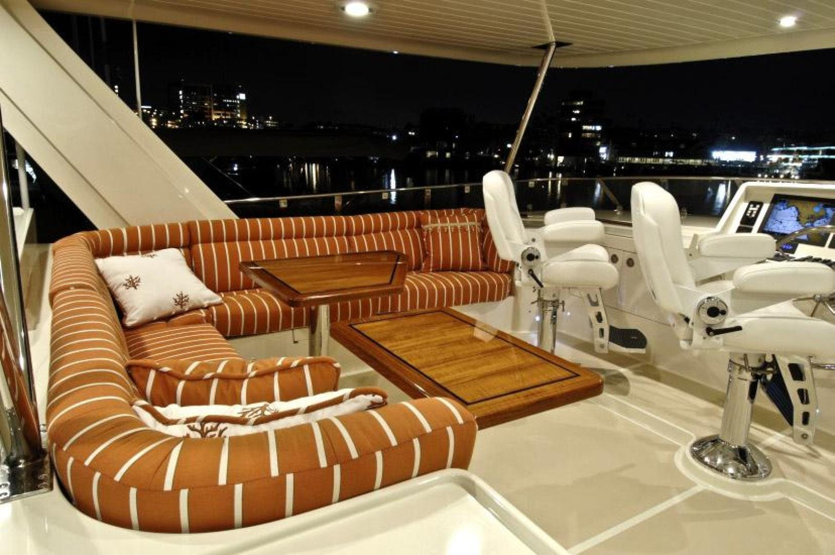 2021 Offshore Yachts 80' 76/80 Motoryacht  | Picture 8 of 11